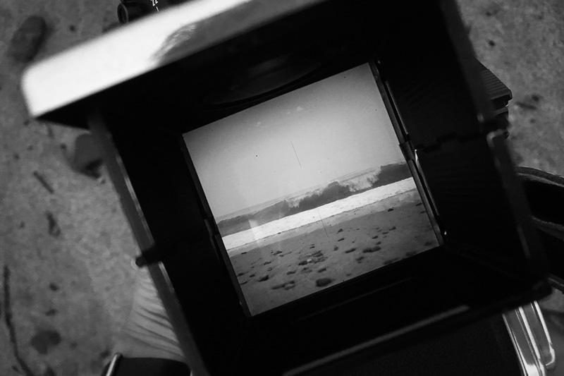 写真:ハッセルのファインダー越しに見る海