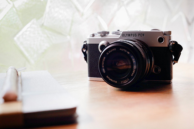 写真: G.ZUIKO Auto-W 28mmを取り付けた OLYMPUS PEN-F